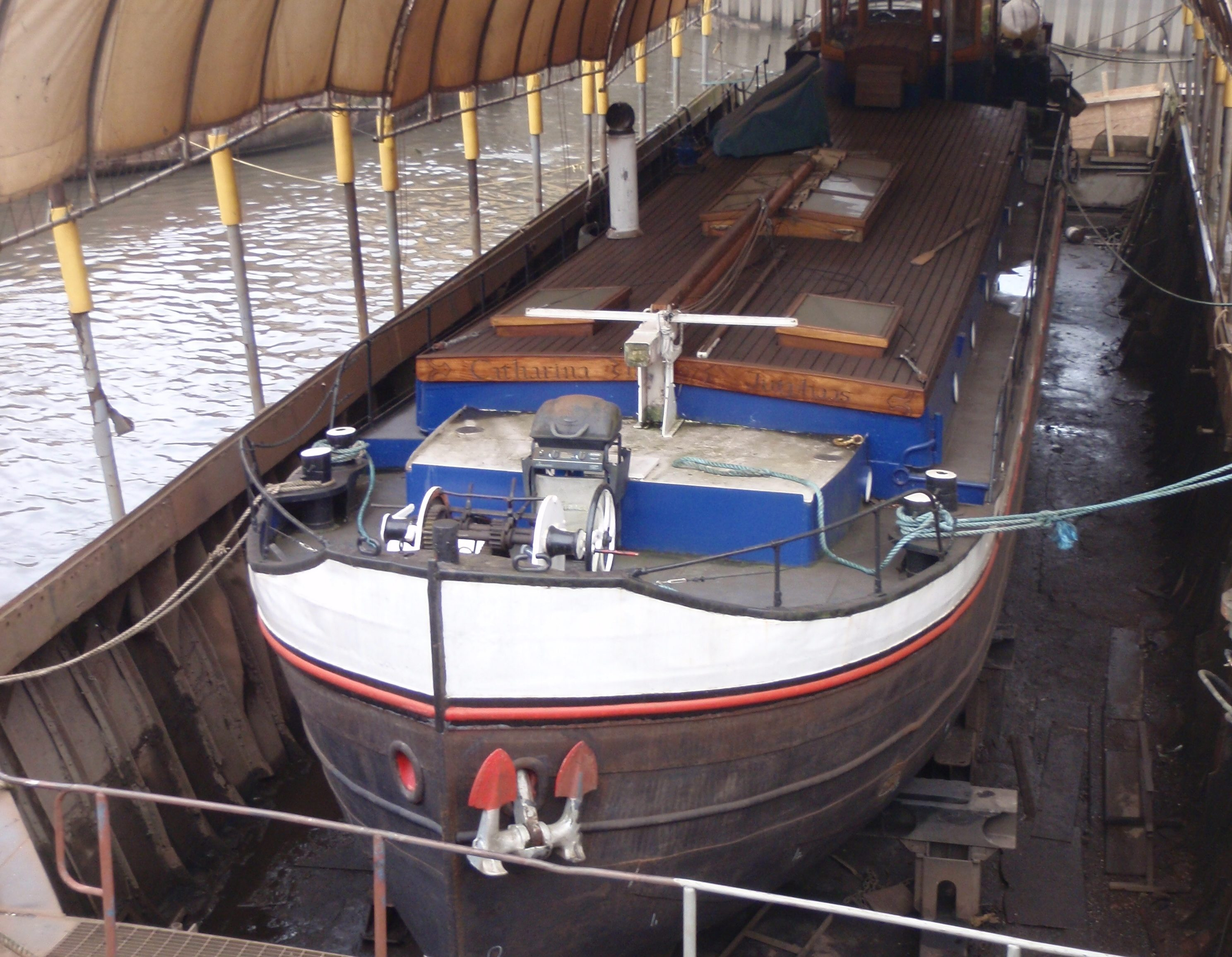 Insurance Survey by White Hat Marine Surveying of a 28 Metre Dutch Barge in Dry Dock at MSO Marine, London
