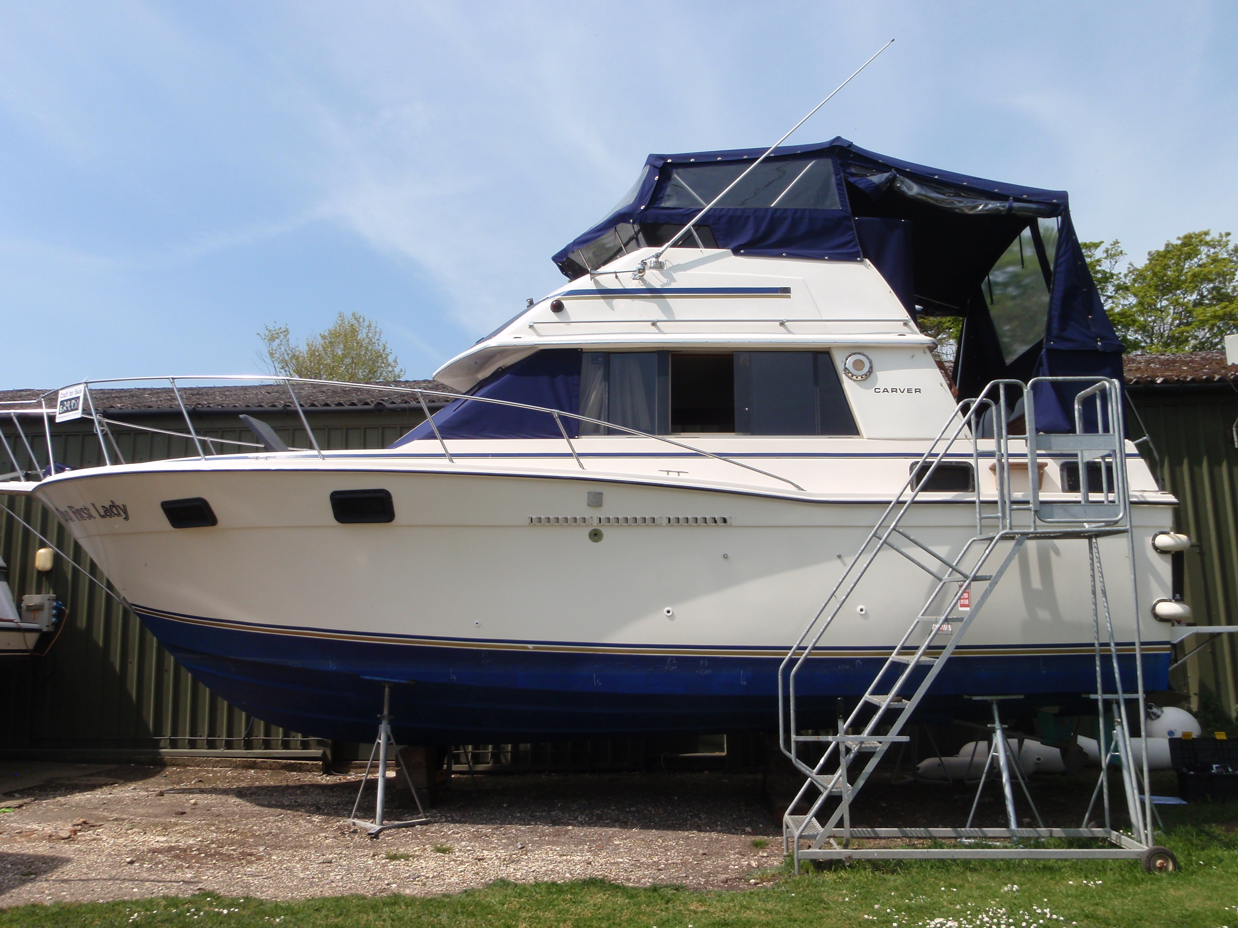 Pre-purchase boat survey by White Hat Marine Surveying of Our First Lady, a 1981 Carver 3007 Motorboat