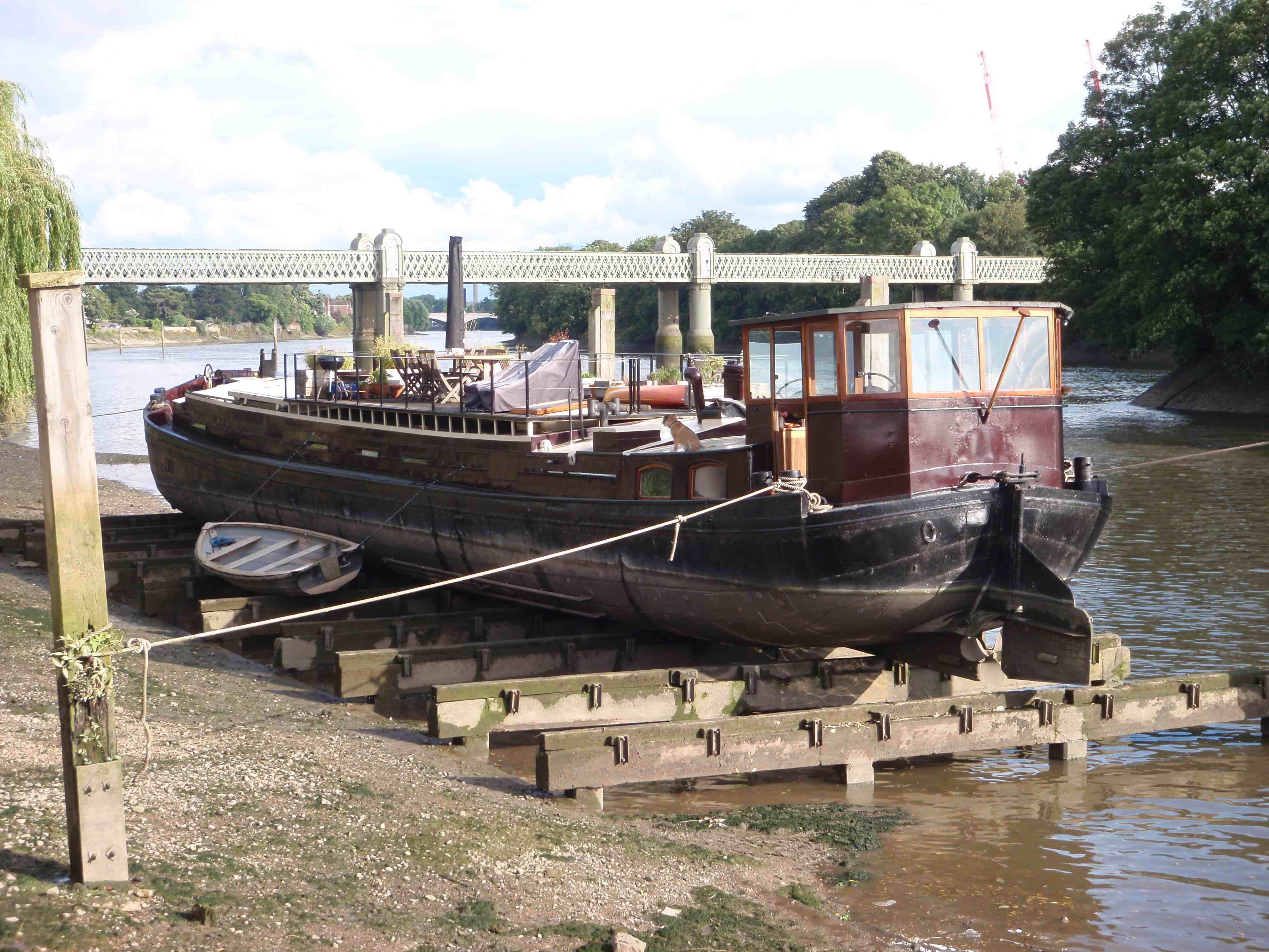 Pre-purchase survey of 1920 Dutch Barge at PLA Tidal Grid Strand-on-the-Green Kew